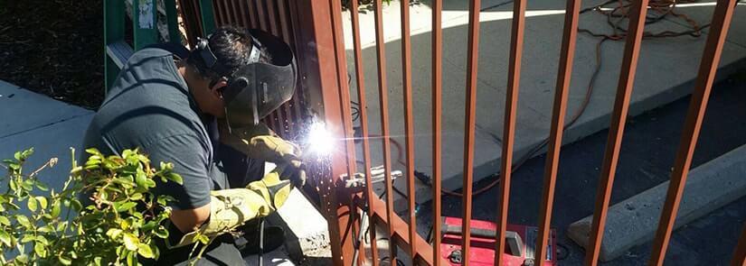 garage door repair Gate 2