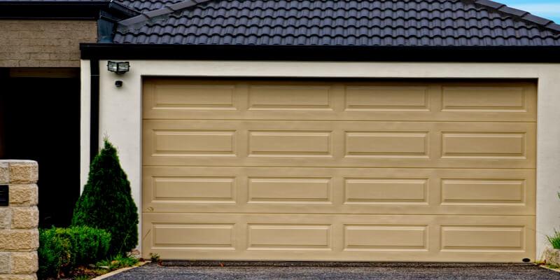 Get a Comprehensive Idea of Your Garage Door Here - Johnson's Garage Door Repair 1