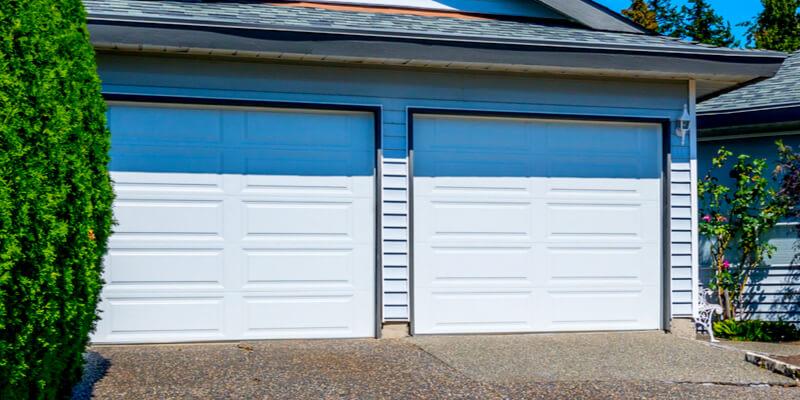 7 Tips to Maintain Your Garage Door in the Summertime period - Johnson's Garage Door Repair