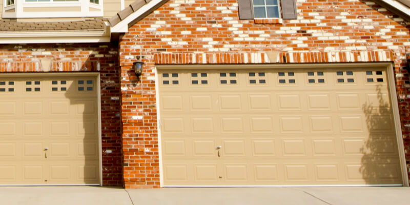 Shielded Vs. Non-Insulated Garage Door Which One to Pick - Johnson's Garage Door Repair