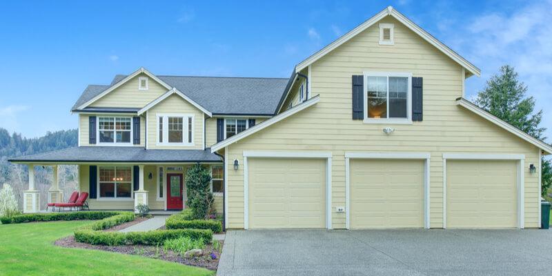 5 Helpful Tips in Buying a House - Johnson's Garage Door Repair
