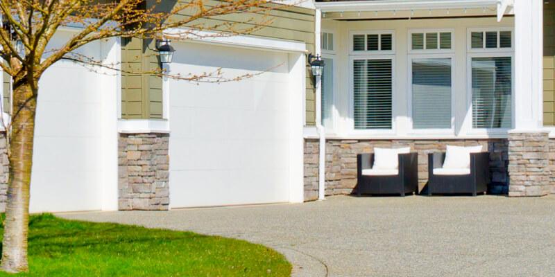 Discover the Garage Door Problems That Occurred in the Winte - Johnson's Garage Door Repair 1