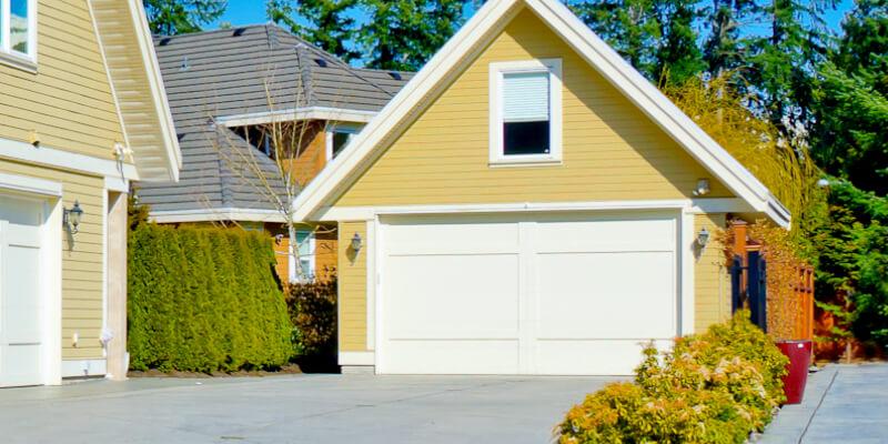 Know a Few ACommon Garage Door Mishaps - Johnson's Garage Door Repair 1