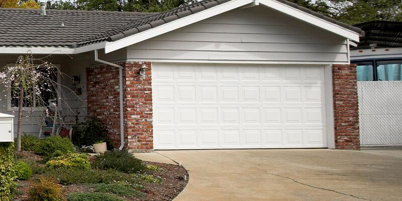 Plan to Keep Your Garage Door Jamming Free, Know Here - Johnson's Garage Door Repair