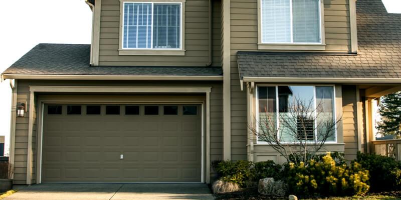 7 Tips to Protect Your Garage Door in the Summertime period - Johnson's Garage Door Repair