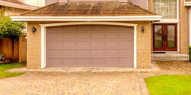 Discover the Garage Door Problems That Occurred in the Winte - Johnson's Garage Door Repair